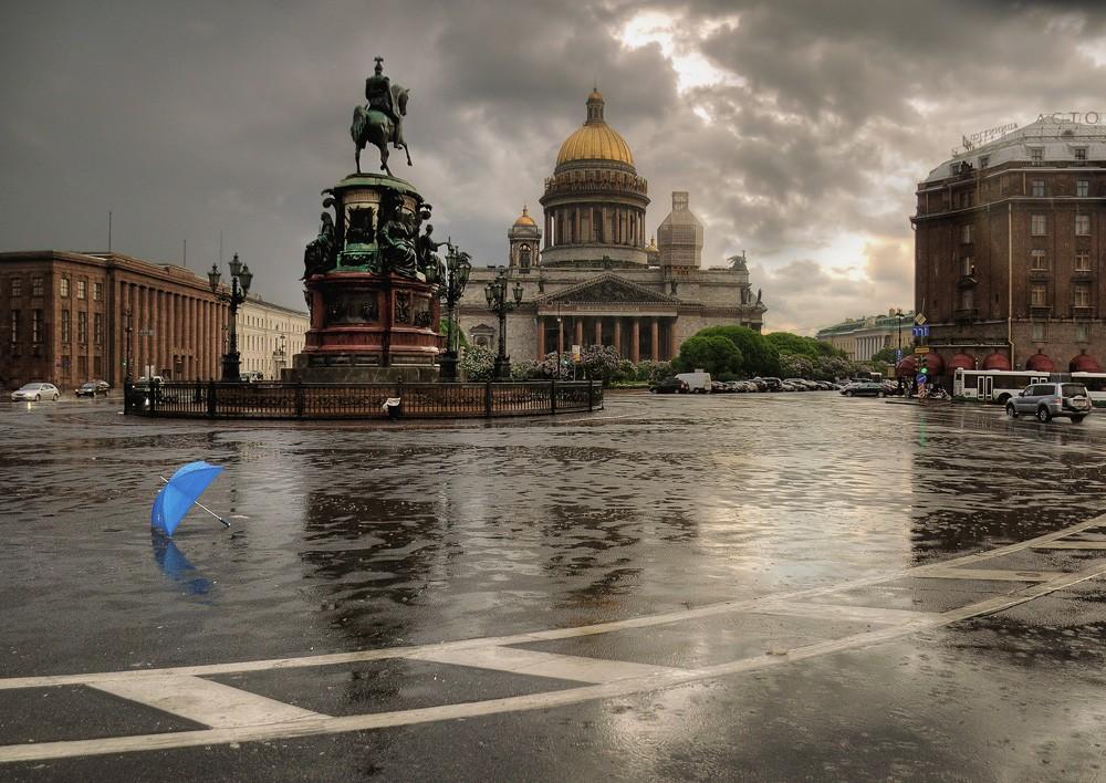 Сегодня на петербуржцев обрушатся проливные дожди